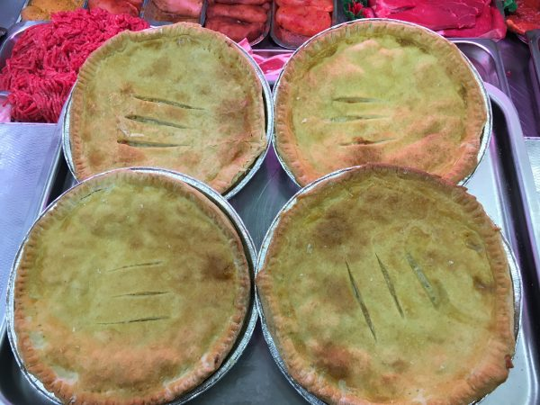 Family size minced steak pies
